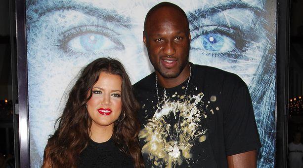 Khloe Kardashian ja Lamar Odom erosivat pari vuotta sitten, mutta parin avioeron käsittely on vielä kesken eli he ovat yhä virallisesti naimisissa.