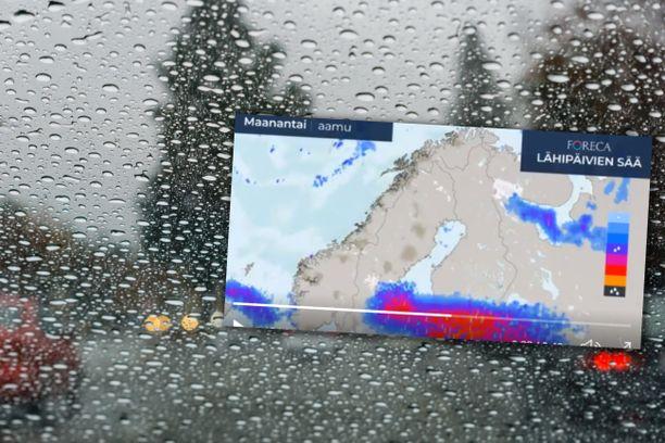 Forecan videolta näkyy, miten raju myräkkä iskee Etelä-Suomeen maanantaina.