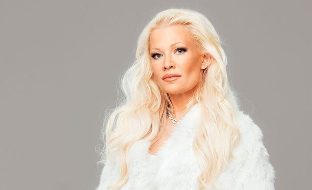Linda Lampenius nähtiin Playboyssa vuonna 1998 - tuolloin nimellä Linda Brava.