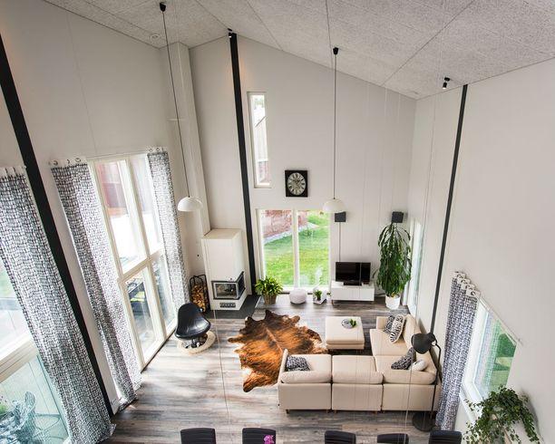 Terca Tiger on lapsiperheen asunto, jossa ei ole tingitty tyylistä. Olohuone on korkea ja ilmava.