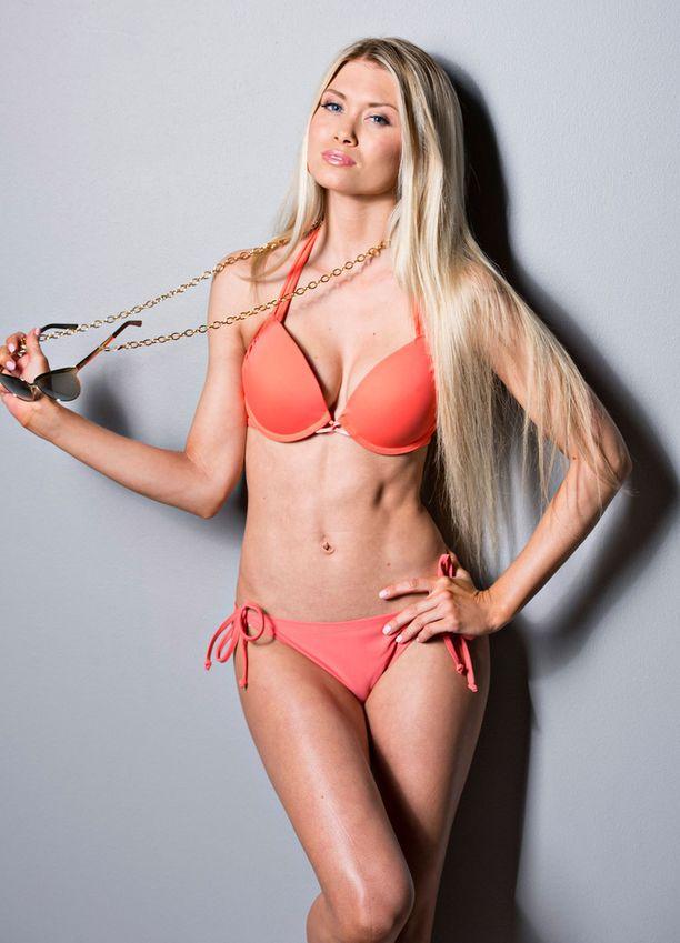 Kuvassa Isabel Ljungdell vuonna 2014 bikinikuvauksissa.