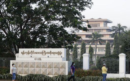 Asevoimat ovat kaapanneet vallan Myanmarissa: Aung San Suu Kyi ja muita maan johtajia pidätetty
