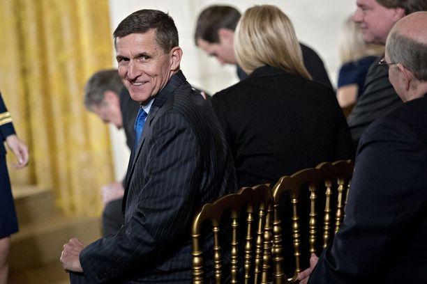 Kenraali Michael Flynn sai potkut turvallisuusneuvonantajan paikalta helmikuun puolivälissä. Hän tekee yhteistyötä Muellerin tutkinnan kanssa.