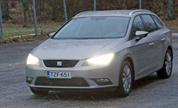 Leon ST:n olemus on matala ja pitkänoloinen. Auto on hillityn elegantti.