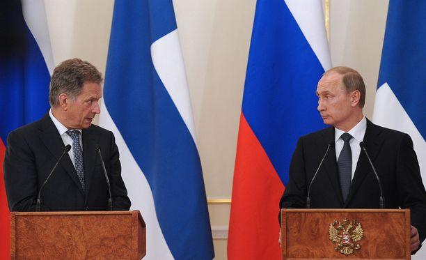 Sauli Niinistö ja Vladimir Putin tapasivat Putinin residenssissä Novo-Ogarjovossa Moskovan lähistöllä kesäkuussa. Suomalaisten hämmennykseksi Venäjä nosti tapaamisen kärkeen ydinvoiman.