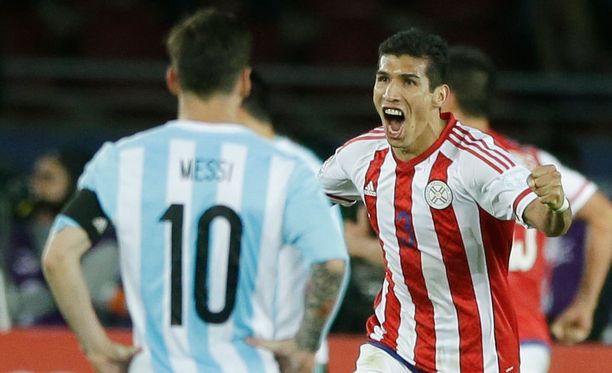 Lionel Messin kipparoima Argentiina jäi 2-2-tasapeliin Paraguayta vastaan.