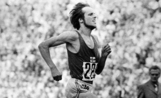 Lasse Virénin tyylinäyte kesältä 1972, kun hän teki yhä voimassa olevat 3 000 metrin ja 5 000 metrin Suomen ennätykset.