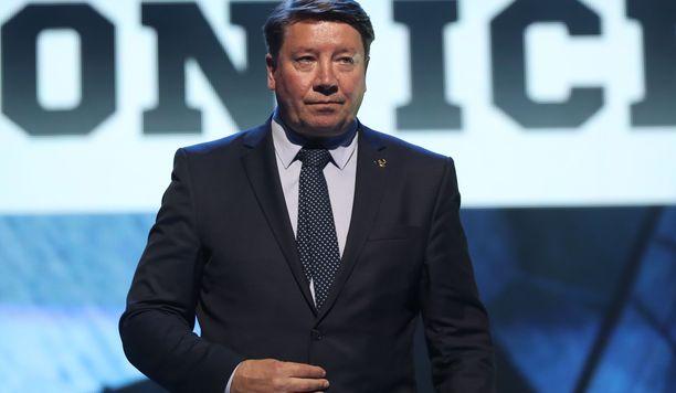 KHL:n hallituksessa jatkava Jokerien pääomistaja ja GM Jari Kurri ei voi vielä kertoa kaikkia pelaajauutisia.