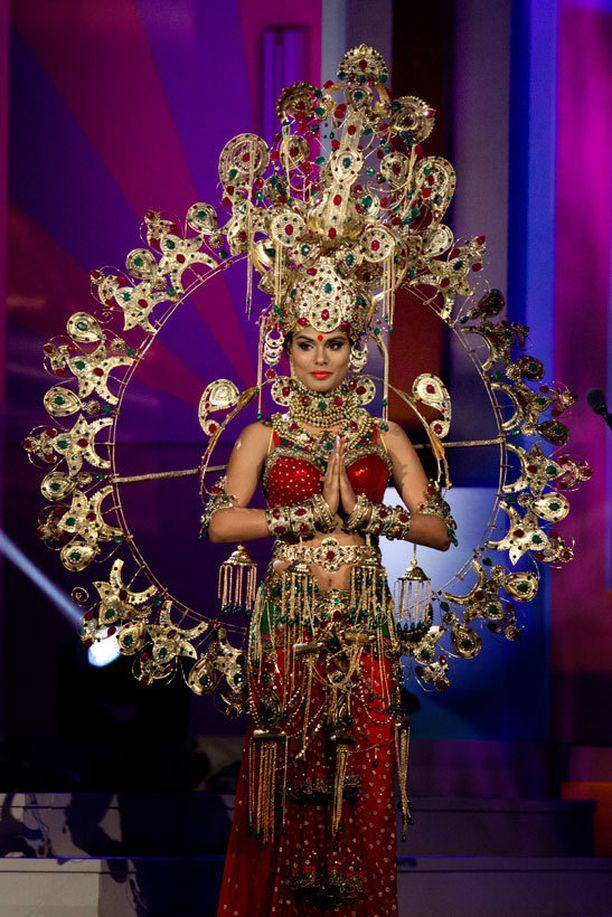 Miss Intia.