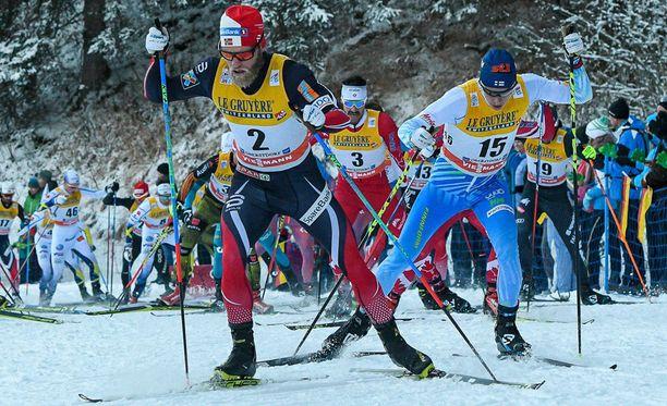 Matti Heikkinen ei olisi Martin Johnsrud Sundbyn takana, jos Tour de Skillä ei jaettaisi bonussekunteja.