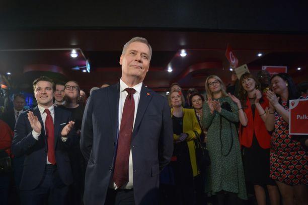 Antti Rinteen pokka piti hyvin ennakkoäänten selvittyä, vaikka SDP olikin kärkipaikalla.