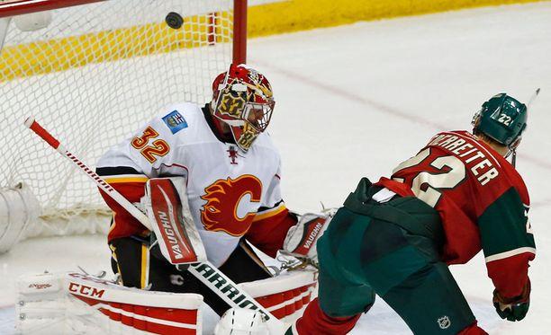 Nino Niederreiter iski Minnesotan kuudennen maalin ohi Niklas Bäckströmin.