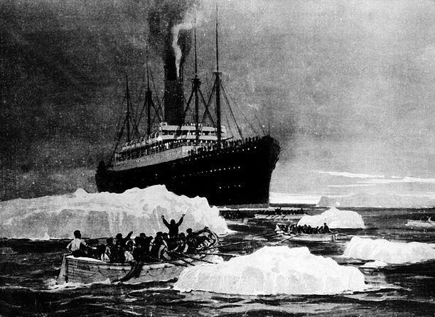 RMS Carpathia oli ensimmäinen Titanicin uppoamispaikalle ehtinyt laiva. Se saapui vasta neljä tuntia kohtalokkaan törmäyksen jälkeen.