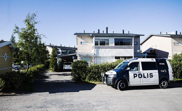 Väkivaltarikos tapahtui Tampereen Korkinmäessä. Poliisi saapui paikalle noin kello 17 aikaan, kertoo silminnäkijä.