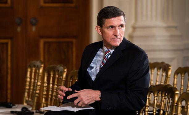 Kansallisen turvallisuuden neuvonantaja Michael T. Flynn myöntää virallisessa erokirjeessään antaneensa nykyiselle varapresidentille Mike Pencelle epätäydellisiä tietoja keskusteluistaan Venäjän Yhdysvaltain-suurlähettilään kanssa.