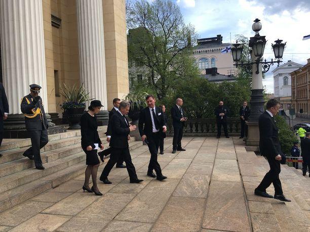 Tasavallan presidentti Sauli Niinistö osallistui puolisonsa Jenni Haukion kanssa Säätytalon muistotilaisuuteen.