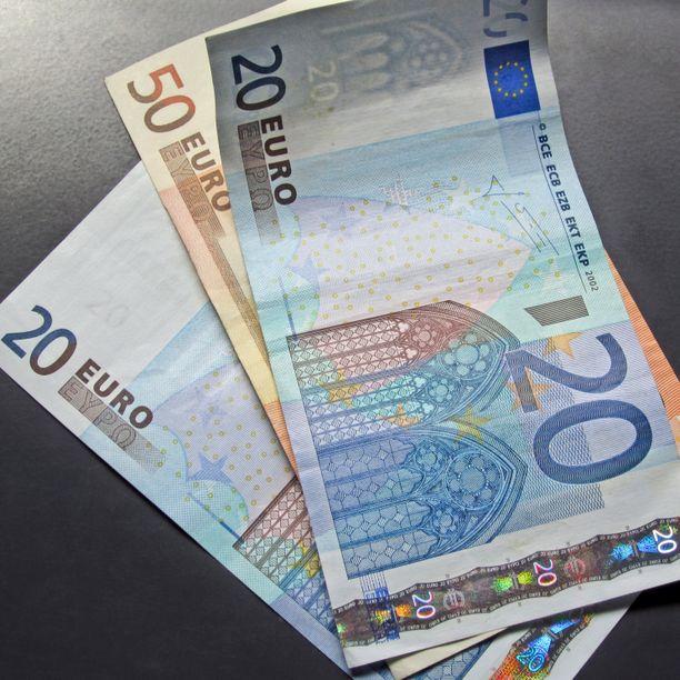 Raha on hyvä lahjaidea.