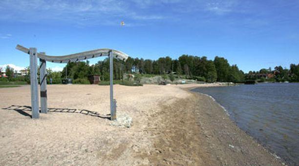 Tuorinniemen päiväkoti, ala-aste ja leikkipuisto sijaitsevat uimarannan läheisyydessä Herttoniemenrannassa.