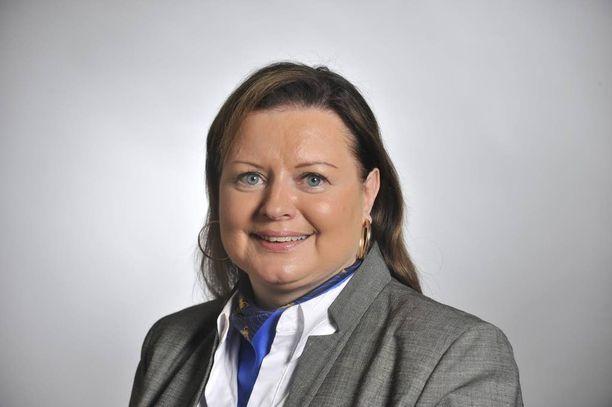 Myös Anne Louhelainen päätti jäädä pois kilpirauhashoitoa käsittelevästä tilaisuudesta.