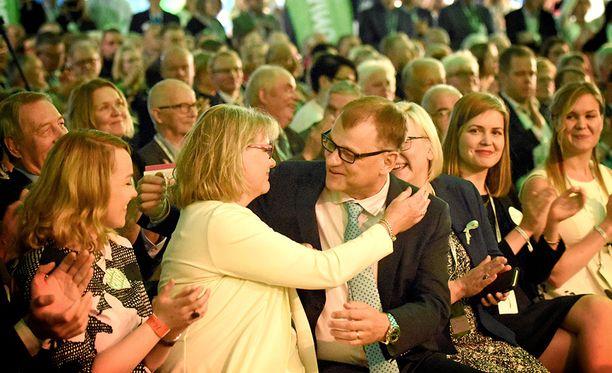 Juha Sipilä valittiin aiemmin tänään odotetusti jatkokaudelle keskustan puheenjohtajana.