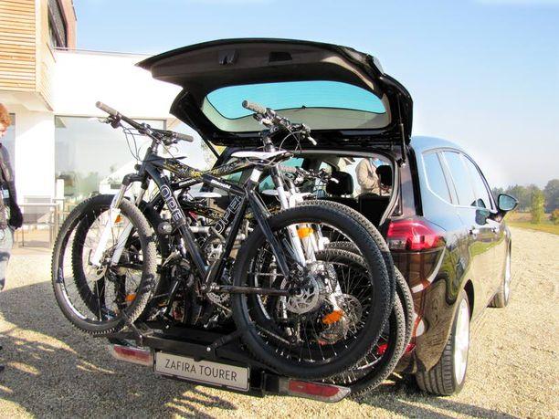 Oho! Fillariteline! Takapuskurista esiin liu'utettava pyöräteline kantaa yli sata kiloa.