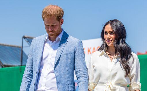 Ystävä paljastaa: Prinssi Harryn sydän särkyi kireän perhetilanteen takia