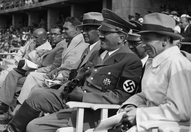 Adolf Hitler seurasi tiiviisti vuoden 1936 kesäolympiakisoja Berliinissä.