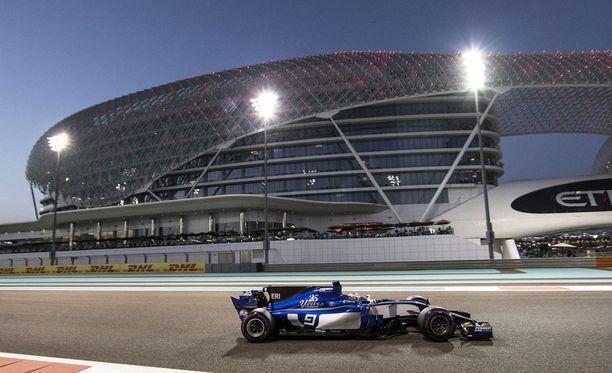 Abu Dhabin GP on aiemmin kilpailtu F1-kaudella lokakuun lopussa.