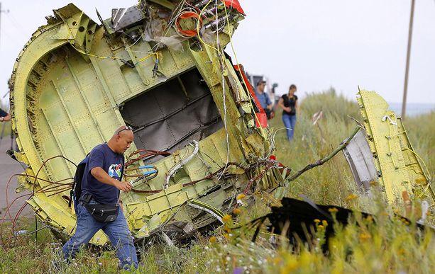 Osa tuhotun Boeing 777 -koneen hylystä.