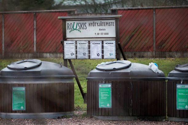 Petri Ojala tiputti jätesäkkeihin pakatun ex-vaimonsa ruumiin Paimion keskustassa sijaitsevaan jätteiden syväkeräyssäiliöön, ja ajoi itse sen jälkeen töihin.