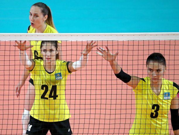 Kristina Karapetian (oik.) oli mukana Kazakstanin MM-kisajoukkueessa vuonna 2018.
