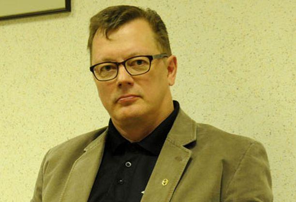 Rikoskomisario Juha Joutsenlahti kertoi oikeudessa kuunnelleensa hätäpuhelun satoja kertoja.