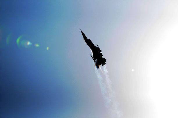Turkin ilmavoimat on pudottanut ilmatilaansa tulleen lennokin. Kuvituskuvassa F-16, joka on Turkin pääasiallinen taisteluhävittäjä.