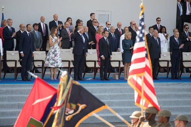 Donald Trump vaikuttui Ranskassa maan kansallispäivänä näkemästään sotilasparaatista ja haluaa Yhdysvaltoihin samanlaisen näytöksen.