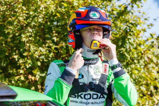 Kalle Rovanperä ajoi toisen päivän loppuun luokkansa johdossa.