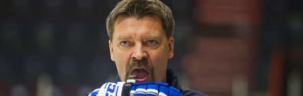 Leijonien päävalmentaja Jukka Jalonen kokeilee eri pelaajia tämän illan Sveitsi-ottelussa.