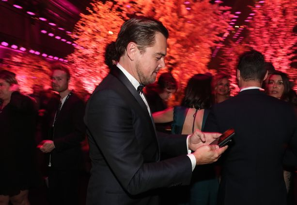 Leonardo DiCaprio on yksi maailmantähdistä, jotka luottavat Iphonen vetovoimaan.