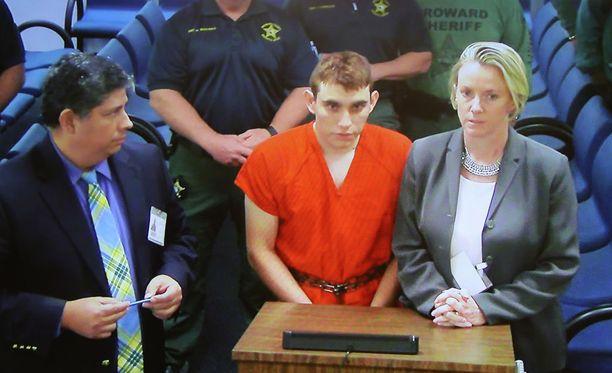 Kouluampumisesta epäilty Nikolas Cruz esiintyi torstaina oikeudessa videoyhteyden välityksellä.