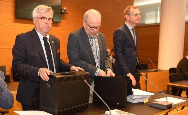 Kari Lintilä (kesk.) kiisti virkarikossyytteensä käräjäoikeudessa. Tuomio on tulossa myöhemmin.