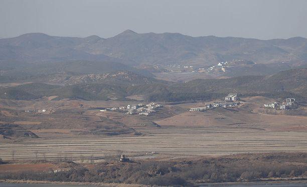 Etelä-Korean sotilaat joutuivat ampumaan varoituslaukauksia Pohjois-Korean sotilaiden tultua liian lähelle maan rajaa. Kuva Pohjois-Korean puolen demilitarisoidusta vyöhykkeestä.