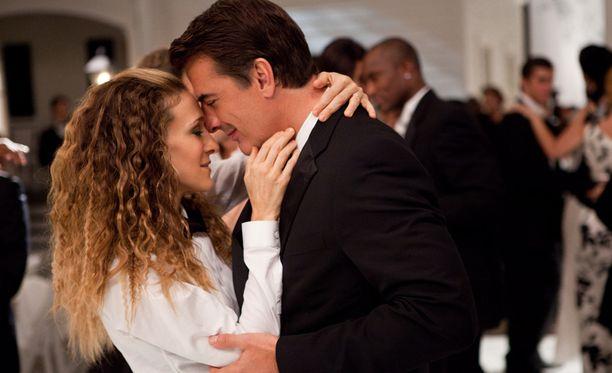 Carrien ja Kihon suhteen kehittymistä on seurattu niin tv-sarjassa kuin kahdessa elokuvassakin.
