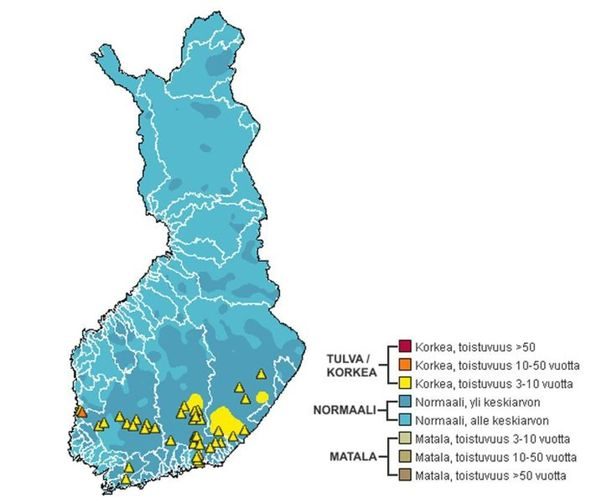 Kartta näyttää vedenkorkeuden eri puolilla Suomea.