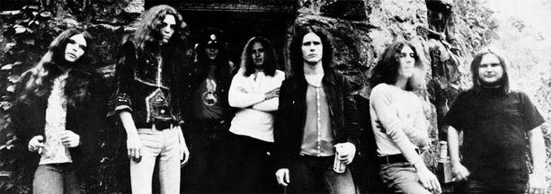 """Lynyrd Skynyrd tunnetuimmassa kokoonpanossaan vuonna 1973. Robert """"Bob"""" Burns jätti bändin vuonna 1974."""