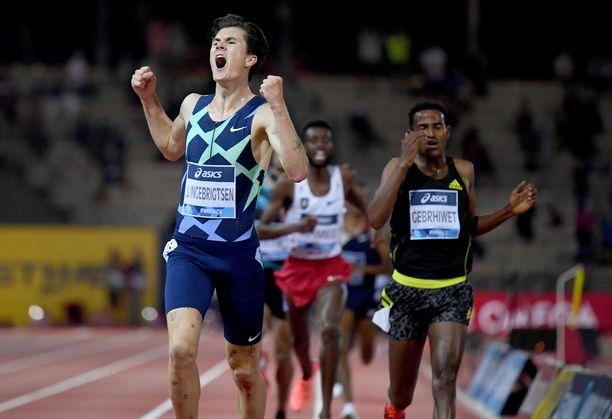 Jakob Ingebrigtsen tuuletti ennätystään Firenzessä.