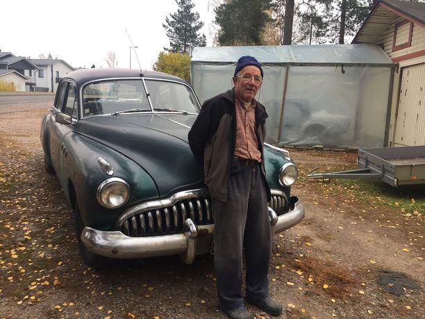 Buick hankittiin aikoinaan Lönnbergin bändin keikka-autoksi.