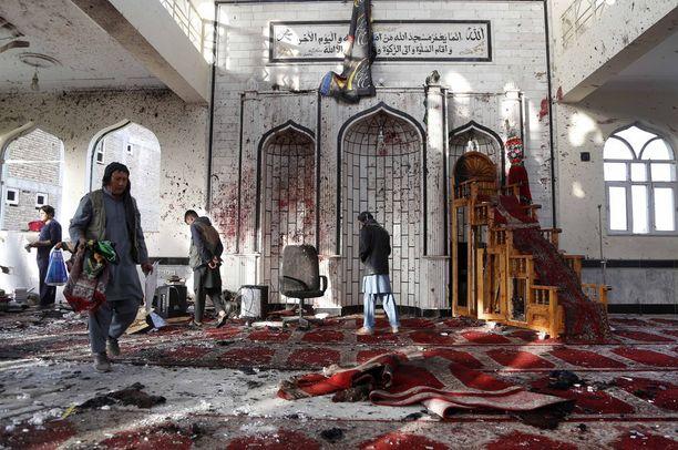 Lokakuussa kymmeniä kuoli jihadistien hyökättyä shiiamoskeijaan Kabulissa Afganistanissa.