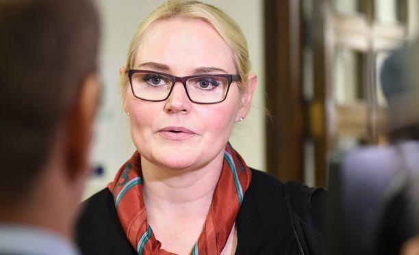 Veera Ruoho kertoo Iltalehdelle, ettei hän olisi halunnut nimeään julki, koska hän ei halunnut asiasta syntyvän kohua itsensä ympärille.