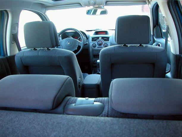 Auton sisäilma voi olla jopa huonompaa kuin ulkona, jos raitisilmasuodatin ei toimi.