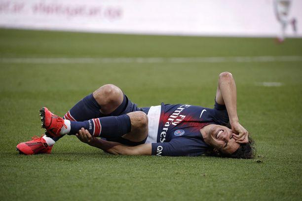PSG:n Edinson Cavani loukkaantui Ranskan liigan ottelussa Bordeaux'ta vastaan lauantaina.