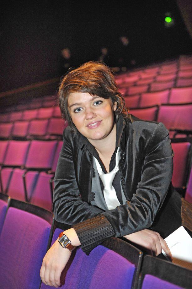 Joanna Haartti on nähty esimerkiksi elokuvissa Miehen työ ja Hiljaisuus.